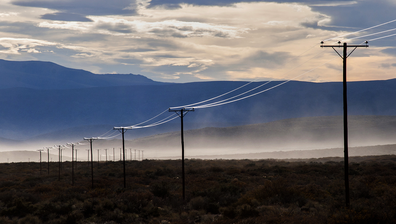 Tendido electrico rural camino a 3 Chorros